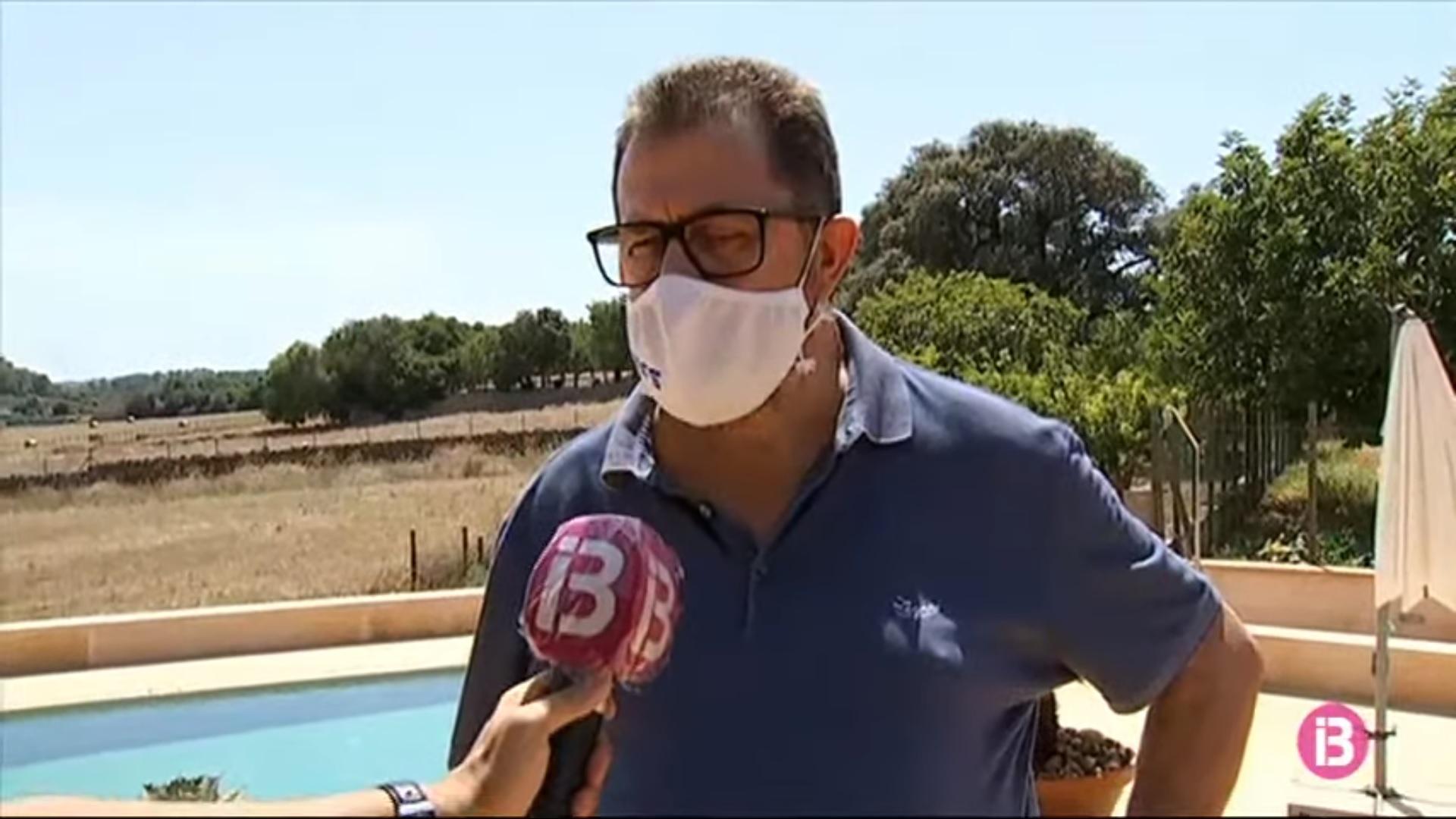 Miquel+Jaume%3A+%26%238216%3BNo+podem+pagar+a+40+persones+amb+0+ingresos%27