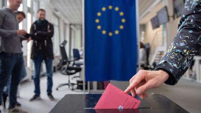 Correus+obri+en+cap+de+setmana+per+facilitar+el+vot+a+dist%C3%A0ncia