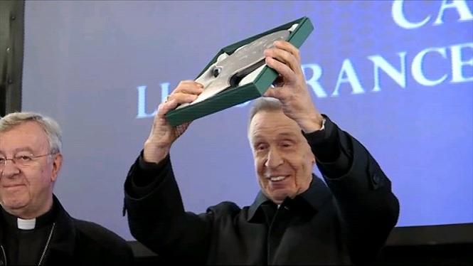 El+cardenal+Llu%C3%ADs+Francesc+Ladaria+reb+el+Premi+Popular+d%27honor+que+concedeix+la+COPE