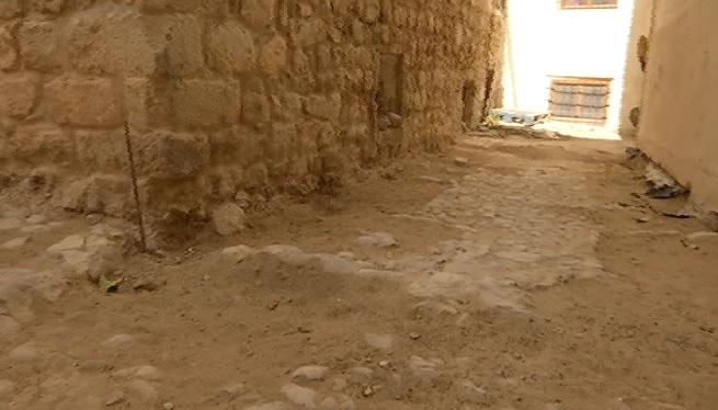 Obres+a+Dalt+Vila+deixen+al+descobert+restes+de+paviments+medievals