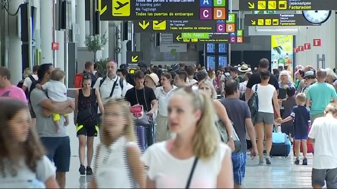 Els controladors preveuen retards aquest estiu als aeroports de les Balears