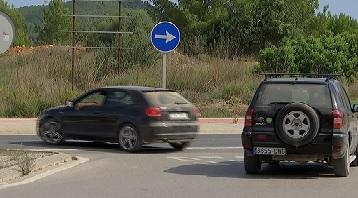 Els+vesins+de+Santa+Gertrudis+denuncien+infraccions+de+tr%C3%A0nsit+constants+a+la+carretera+que+connecta+Eivissa+amb+Sant+Miquel