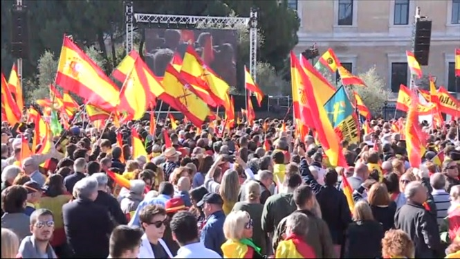 Milers+de+persones+es+concentren+a+Madrid+a+favor+de+la+unitat+d%27Espanya