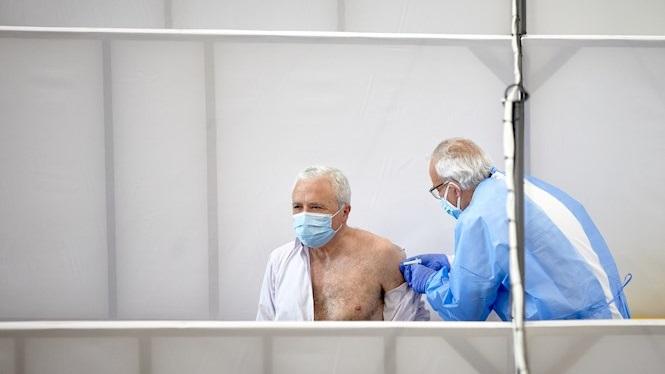 Balears+vol+vacunar+la+primera+dosi+a+la+poblaci%C3%B3+major+de+60+anys+en+el+menor+temps