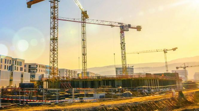 Els+constructors+demanen+treballadors+qualificats+mentre+els+sindicats+hi+denuncien+precarietat