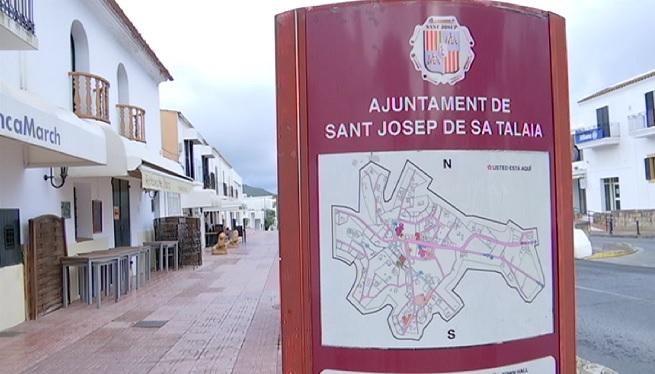 Els+comerciants+de+Sant+Josep+denuncien+p%C3%A8rdues+per+les+coes+i+la+manca+d%27aparcament
