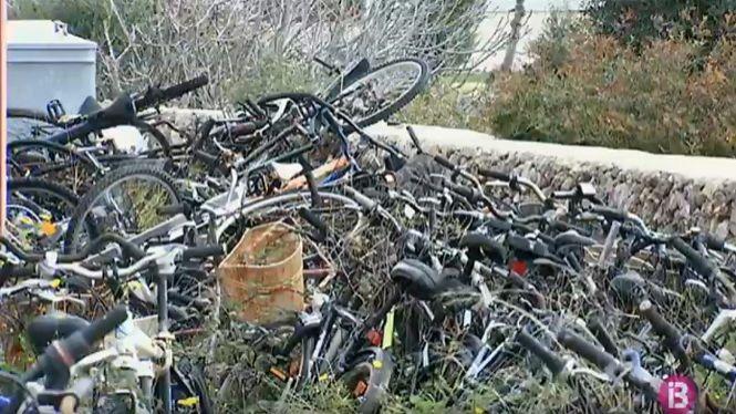Ciutadella+prepara+una+normativa+per+regalar+centenars+de+bicicletes+robades+al+municipi