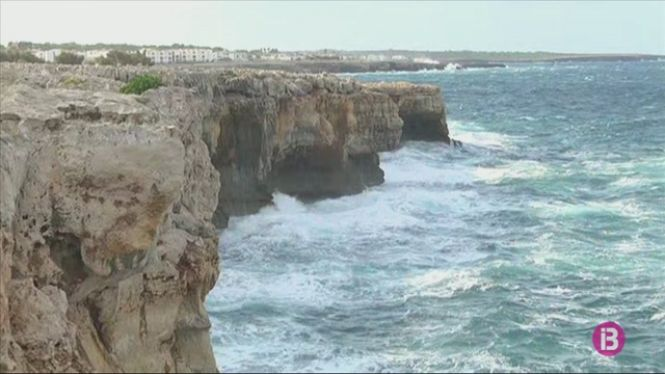 El+mal+temps+deixa+Menorca+incomunicada+per+mar