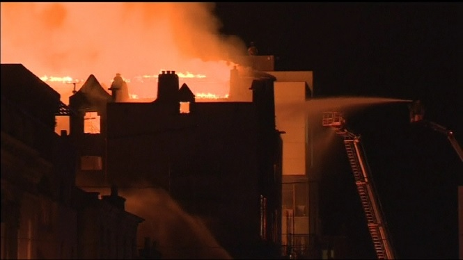 Un+incendi+ha+destru%C3%AFt+per+segon+cop+en+menys+de+cinc+anys+l%27Escola+d%27Art+de+Glasgow