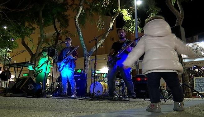 M%C3%BAsica+al+carrer+per+amenitzar+les+festes+de+Nadal
