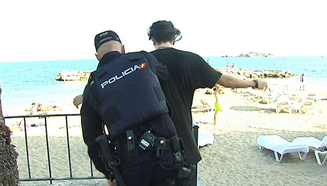 Denuncien+els+perjudicis+generats+a+24+policies+a+Eivissa+per+l%27endarreriment+dels+refor%C3%A7os