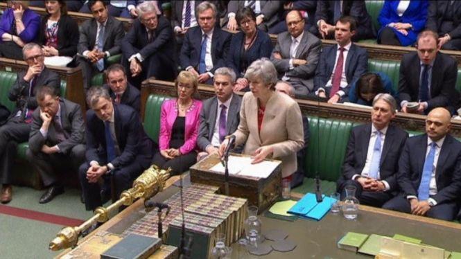 El+Parlament+Brit%C3%A0nic+elegir%C3%A0+dem%C3%A0+entre+vuit+propostes+quina+%C3%A9s+l%27opci%C3%B3+m%C3%A9s+convenient
