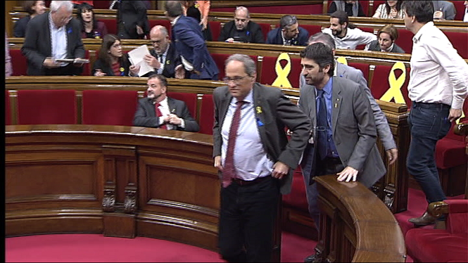 El+Parlament+catal%C3%A0+insta+Torra+a+convocar+eleccions+o+una+q%C3%BCesti%C3%B3+de+confian%C3%A7a