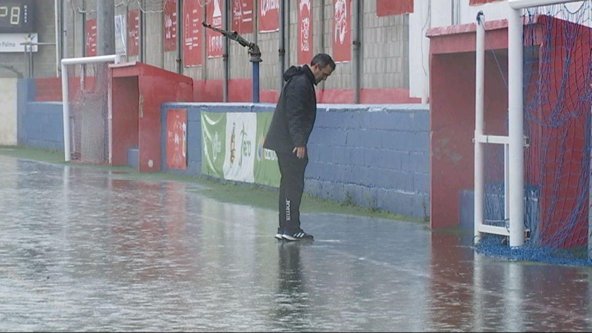 La+pluja+obliga+a+ajornar+el+partit+entre+el+Collerense+i+el+Vila-real