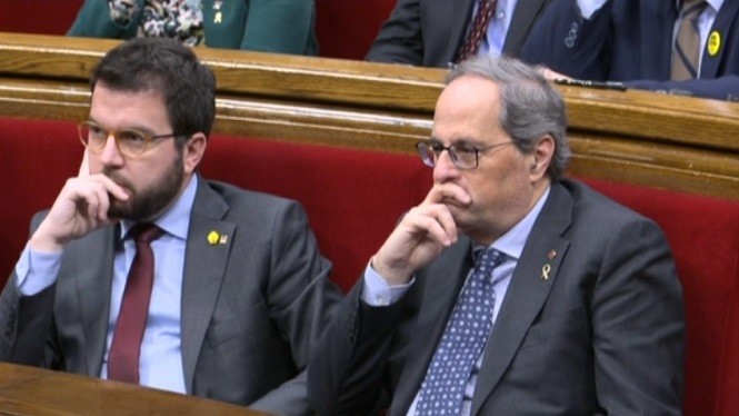 Tensi%C3%B3+al+Parlament+de+Catalunya+a+la+primera+sessi%C3%B3+amb+Torra+inhabilitat