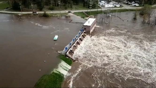 Milers+d%27evacuats+a+Michigan+per+greus+inundacions