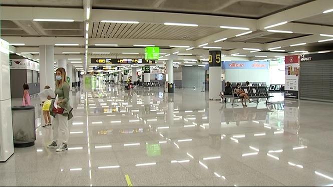 L%26apos%3Baeroport+de+Palma+perd+gaireb%C3%A9+un+10%2525+dels+vols