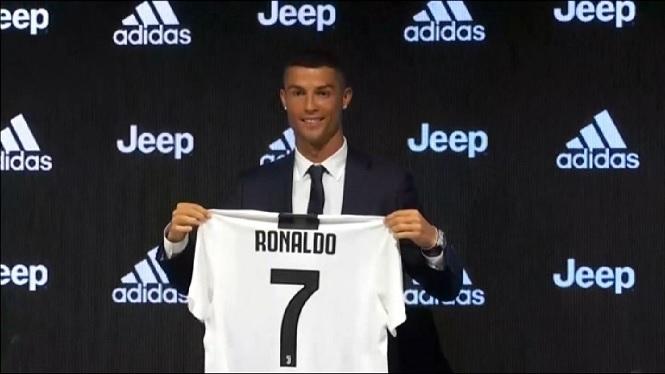 Cristiano+Ronaldo%2C+presentat+amb+la+Juventus