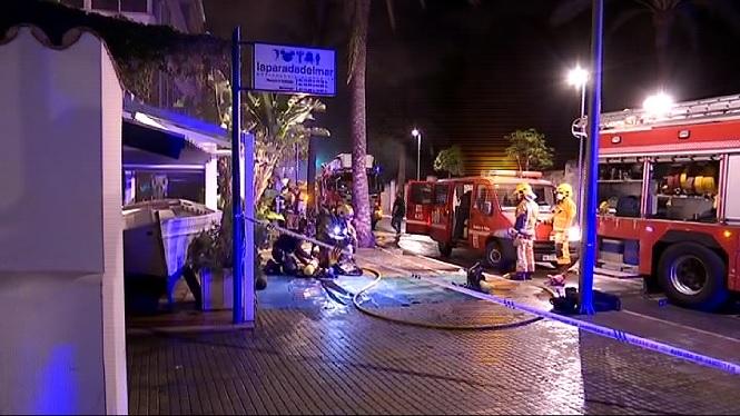 Dues+persones+ferides+per+un+incendi+a+un+restaurant+prop+de+Marivent+a+Palma