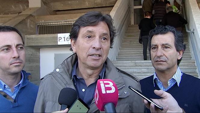 Isern+es+compromet+a+canviar+la+gespa+dels+camps+de+futbol+de+Palma