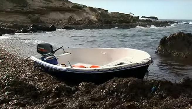 Rescatats+vuit+migrants+que+navegaven+a+la+deriva+al+sud+de+Formentera