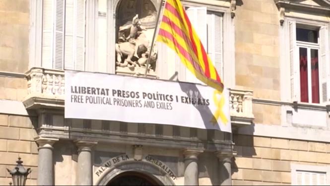 PP%2C+PSOE+i+Cs+demanen+a+Torra+la+retirada+dels+lla%C3%A7os+grocs