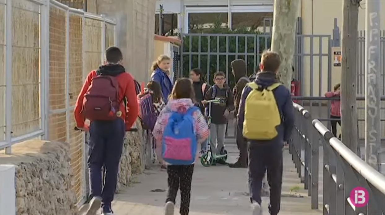 Un+20%2525+dels+alumnes+de+Menorca+no+han+anat+a+l%26apos%3Bescola+el+darrer+dia+abans+del+tancament