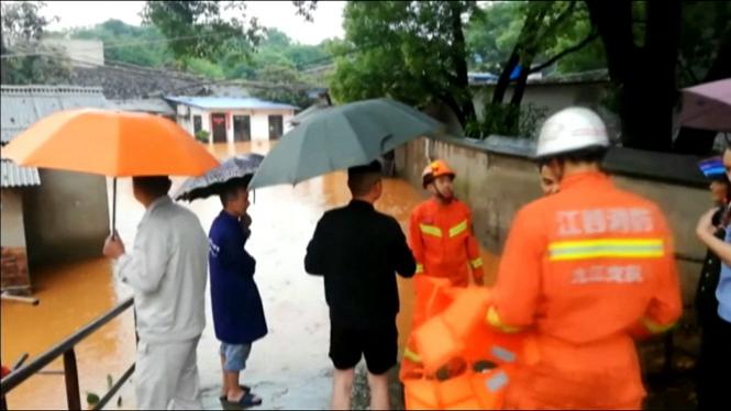 Desenes+d%27evacuats+per+les+pluges+torrencials+a+la+Xina+central