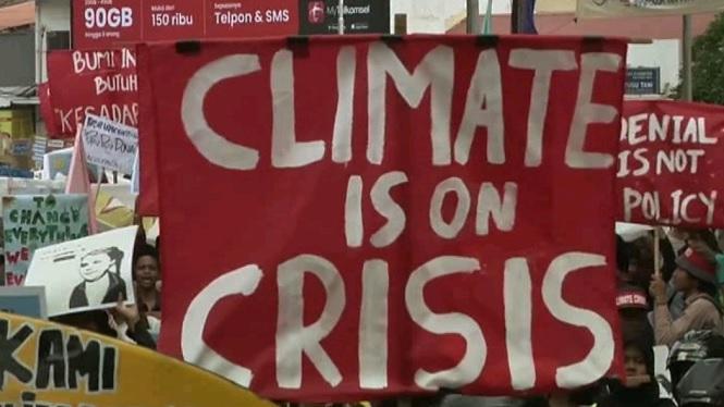 Milers+de+joves+de+tot+el+m%C3%B3n+es+manifesten+per+exigir+mesures+contra+el+canvi+clim%C3%A0tic