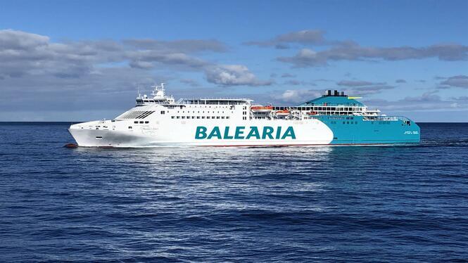 600+passatgers+afectats+per+la+col%C2%B7lisi%C3%B3+d%27un+buc+de+Bal%C3%A8aria+amb+una+nau+de+Transmediterr%C3%A0nia