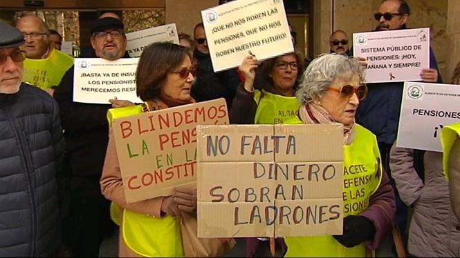 Milers+de+jubilats+demanen+que+les+pensions+estiguin+protegides+per+la+Constituci%C3%B3