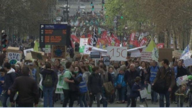 Tercer+diumenge+de+mobilitzacions+pel+clima+a+Brussel%C2%B7les