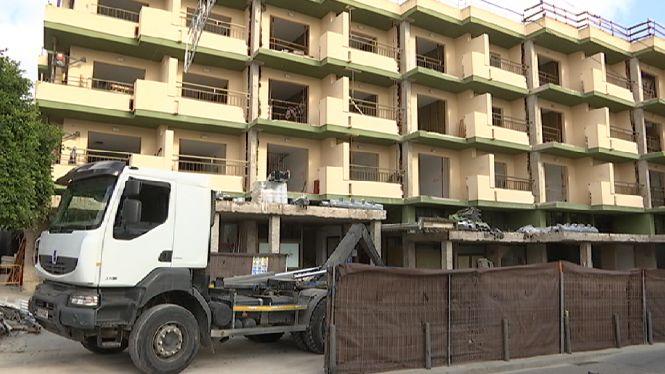 Els+hotelers+de+Sant+Antoni+inverteixen+12+milions+d%27euros+en+reformes+aquest+hivern