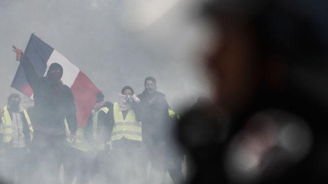 125.000+persones+a+les+protestes+dels+Armilles+Grogues
