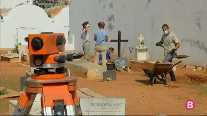 Comencen+els+sondejos+a+la+fossa+comuna+del+Cementeri+Vell+d%27Eivissa