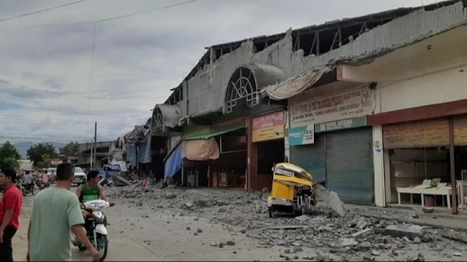 Almanco+4+morts+i+14+ferits+per+un+terratr%C3%A8mol+a+Filipines