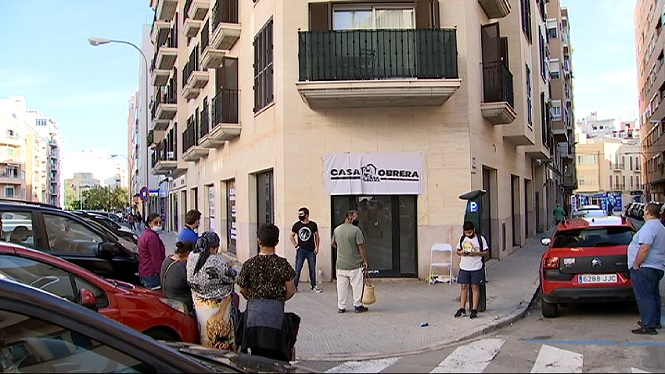 Ve%C3%AFnats+de+Foners+ocupen+una+antiga+sucursal+de+Cajamar+a+Palma