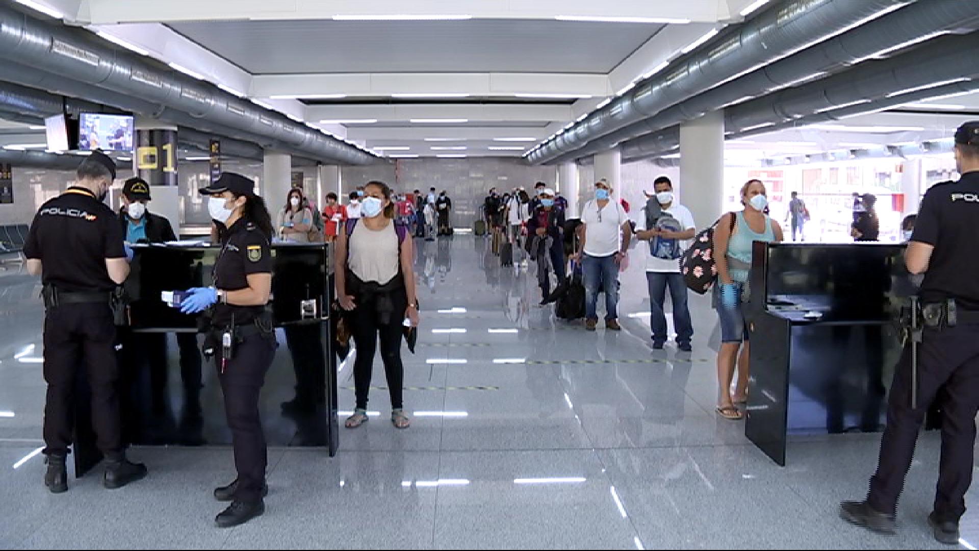 El+Govern+balear+proposa+grups+de+fins+a+3.000+turistes+per+a+les+proves+pilot