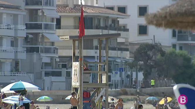 La+platja+de+Ciutat+Jard%C3%AD+romandr%C3%A0+tancada+fins+tenir+els+resultats+de+les+anal%C3%ADtiques+de+l%27aigua