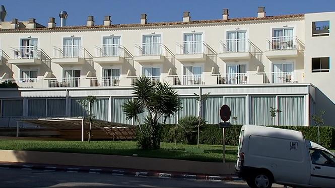 Tanca+l%27hotel+de+Santany%C3%AD+on+es+va+detectar+un+brot+laboral+de+COVID-19