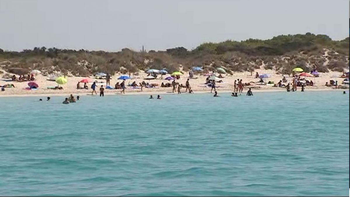 Els+municipis+prenen+mesures+per+evitar+les+platges+plenes+per+Sant+Joan