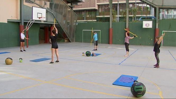 Alguns+gimnasos+han+optat+per+impartir+classes+a+l%27aire+lliure