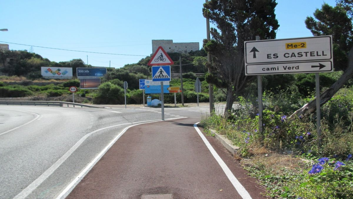 El+Consell+promou+un+segon+carril+bici+a+la+carretera+entre+Ma%C3%B3+i+es+Castell