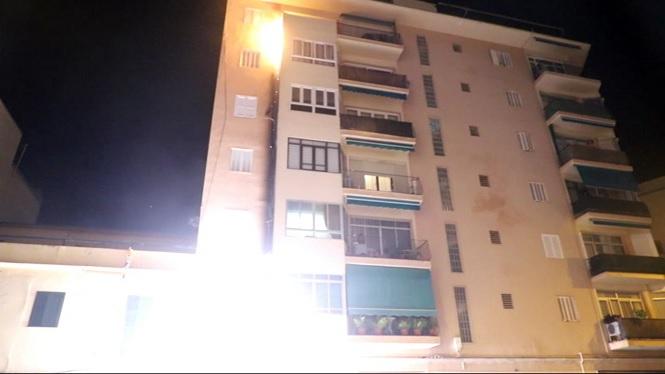 Un+incendi+obliga+a+desallotjar+cinc+habitatges+a+Palma
