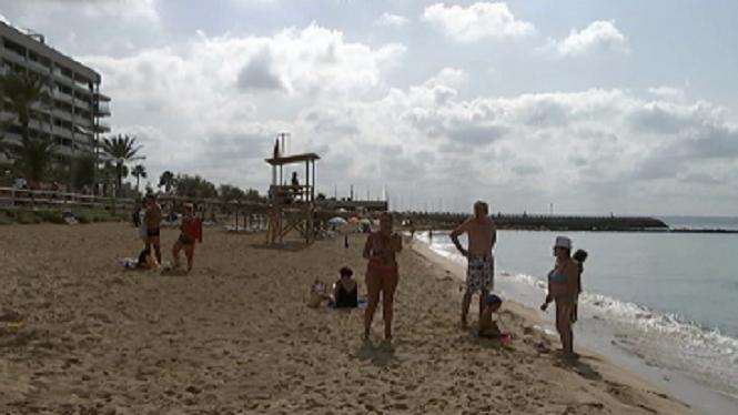 Els+ve%C3%AFns+des+Molinar+convoquen+una+manifestaci%C3%B3+pels+vessaments+a+les+platges+de+Palma