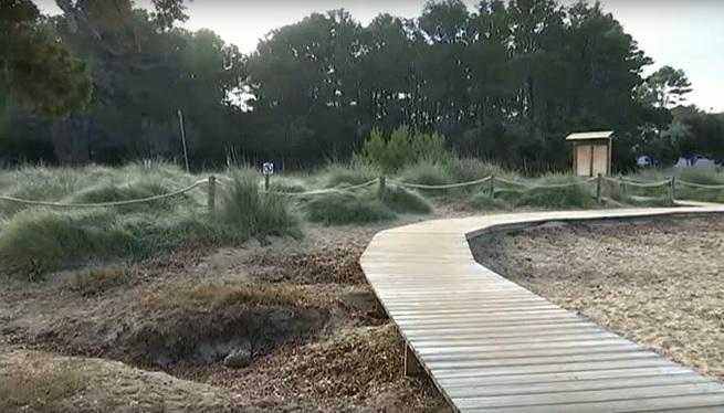 Els+ve%C3%AFns+de+Port+des+Torrent+exigeixen+la+retirada+de+les+dunes