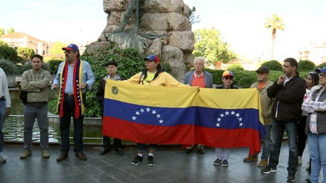 Mobilitzacions+a+Caracas+per+for%C3%A7ar+Maduro+a+abandonar+el+poder