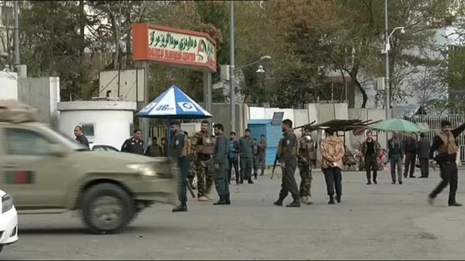 Almanco+6+morts+per+un+atac+su%C3%AFcida+a+l%27Afganistan