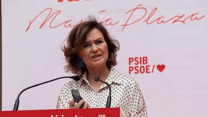 Carmen+Calvo+rep+a+Inca+el+Premi+Maria+Plaza