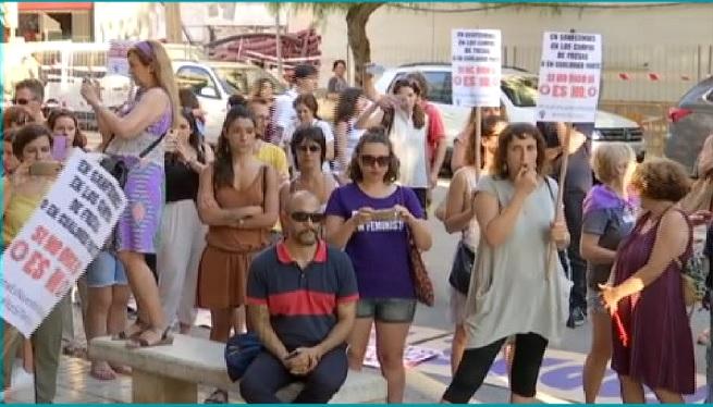 Eivissa+surt+al+carrer+per+protestar+contra+la+posada+en+llibertat+dels+membres+de+la+Manada
